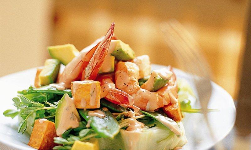 Chế độ ăn uống hợp lí có thể giúp kiểm soát cholesterol trong cơ thể.
